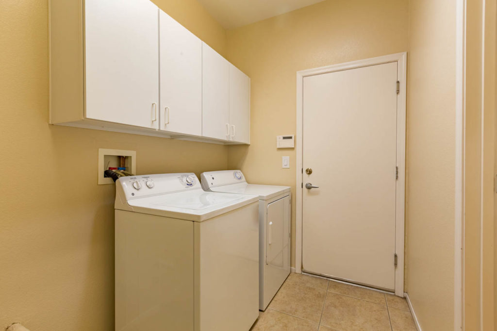 Laundry Room, Real estate, Real estate images, home, homes, houses, apartments, Real estate Photography, Corporate Photo, Photo Editing, Post-Production, Recap, Adobe Premiere, Editing, Photographer, Photographers in Las Vegas, professional Photography,