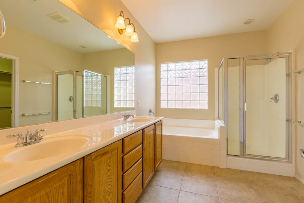 Master Bathroom, bathroom, bathtub, shower, double vanity, double sinks, Corporate Photo, Photo Editing, Post-Production, Recap, Adobe Premiere, Editing, Photographer, Photographers in Las Vegas, professional Photography, Real estate, Real estate images, home, homes, houses, apartments, Real estate Photography,