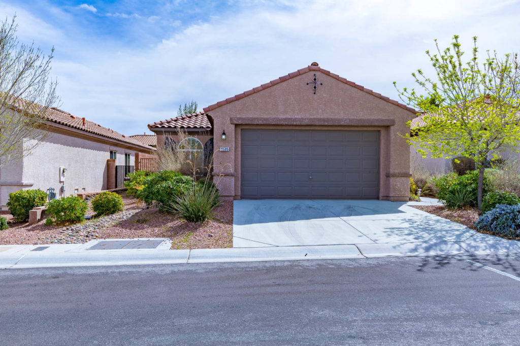 House, Home, Street, curb appeal, landscape, Corporate Photo, Photo Editing, Post-Production, Recap, Adobe Premiere, Editing, Photographer, Photographers in Las Vegas, professional Photography, Real estate, Real estate images, home, homes, houses, apartments, Real estate Photography,